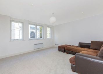 Thumbnail Room to rent in Bride Court, London