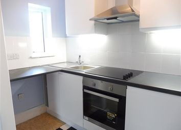 Thumbnail 2 bed flat to rent in Waverley Road, Southsea