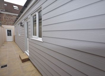 Thumbnail Flat to rent in Soundwell Road, Soundwell, Bristol