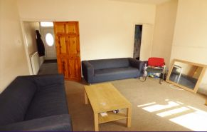 4 bed end terrace house to rent in Gulson Road, Coventry CV1