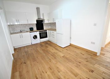 Thumbnail 1 bed flat to rent in Rye Road, Hoddesdon