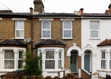 3 bed flat for sale in Woodlands Road, London E17