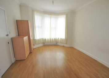 Thumbnail Studio to rent in Somers Road, London