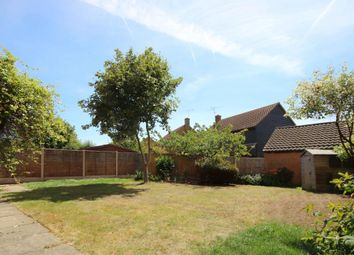 Thumbnail 4 bed link-detached house for sale in Colyers Reach, Chelmsford