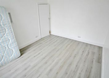 Thumbnail 4 bed property to rent in Oakleigh Road South, London