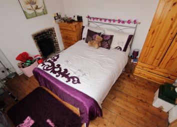 Thumbnail Room to rent in Kings Road, Room 1, Reading