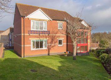 2 bed flat for sale in Fairacres Close, Keynsham, Bristol BS31