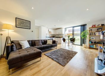 Thumbnail 2 bed flat for sale in Kings Avenue, London, London