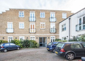 Thumbnail 4 bed flat to rent in Somerford Grove, Dalston