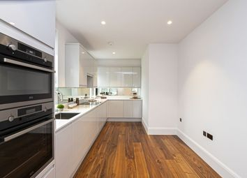 Thumbnail 2 bed flat for sale in Connaught Avenue, Loughton