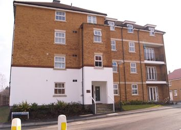 Thumbnail Flat to rent in Rawlinson Road, Maidenbower, Crawley