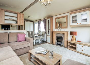 Thumbnail 2 bed bungalow for sale in Hythe Road, Dymchurch, Romney Marsh