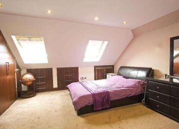 Thumbnail Studio to rent in Rose Glen, London