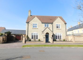4 bed detached house for sale in Paxton Drive, Stotfold, Hitchin SG5