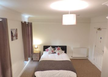 Thumbnail Room to rent in Rm 4, Aldermans Drive, Peterborough.