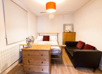 Thumbnail Room to rent in In A Flatshare, London