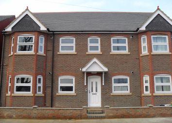 Thumbnail Studio to rent in Francis Street, Luton, Bedfordshire