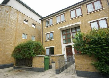 4 bed semi-detached house to rent in Hawthorn Avenue, London E3