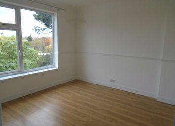 3 bed flat to rent in High Road, Goodmayes IG3