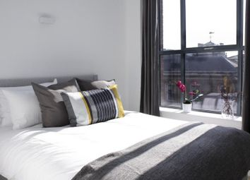 Thumbnail 2 bedroom flat to rent in St. Mary At Hill, London