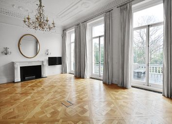 Thumbnail 2 bed flat to rent in Queen`S Gate Gardens, London