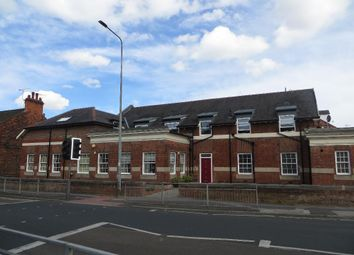 Thumbnail 2 bed flat for sale in Chanterlands Avenue, Hull