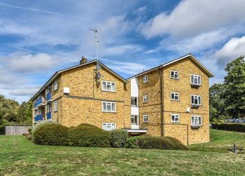 Thumbnail 2 bedroom flat to rent in Priestwood, Bracknell