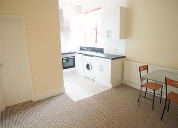 Thumbnail 1 bedroom flat to rent in Woodside Park Road, London