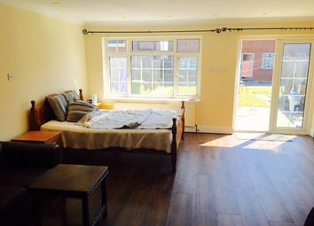Thumbnail Studio to rent in Council Tax & Bills Included, Great West Road /Hounslow