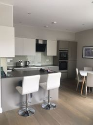 Thumbnail 1 bed flat to rent in Wansdworth Bridge Road, Wandsworth