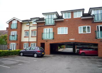 Thumbnail 2 bedroom flat to rent in Military Road, Gosport