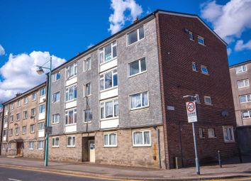 Thumbnail 3 bed flat to rent in Vauxhall Street, Plymouth