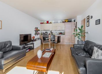Thumbnail 1 bed flat for sale in Chamberlain Court, Silwood Street, Surrey Quays, London
