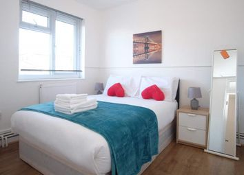 Thumbnail Room to rent in Charles Square Estate, London