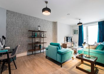 Thumbnail 2 bedroom flat for sale in Scotland Green, London