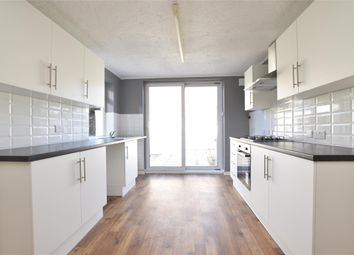 3 bed flat to rent in Victoria Street, Staple Hill, Bristol BS16