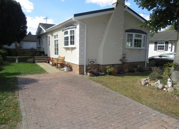 Thumbnail 2 bed mobile/park home for sale in Pooles Lane, Hullbridge, Hockley