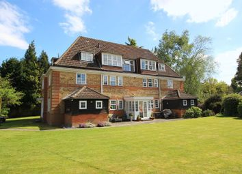 Thumbnail 3 bed flat for sale in Deans Lane, Walton On The Hill, Tadworth