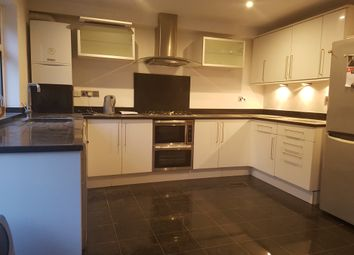 Thumbnail 5 bed town house to rent in Blenheim Close, London