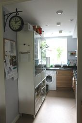 Thumbnail 2 bed flat to rent in Heybourne Crescent, London