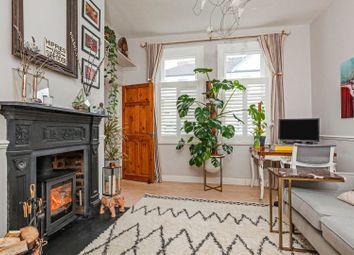 Revelstoke Road, Southfields SW18. 1 bed maisonette for sale