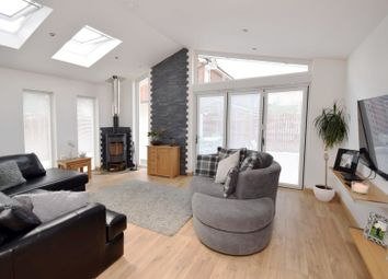 Thumbnail 5 bedroom detached house for sale in Oakdene Crescent, Motherwell