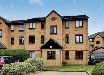 1 bed flat for sale in Woodfield Close, Enfield EN1