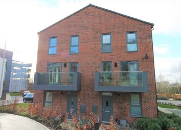 Thumbnail 2 bed town house to rent in Finchdale Close, Wakefield, West Yorkshire