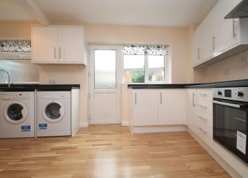 Thumbnail 2 bed flat to rent in Victoria Street, Aylesbury