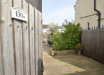 Thumbnail 2 bed flat to rent in Oakleigh Park Drive, Leigh-On-Sea, Essex