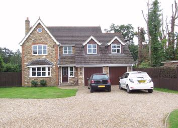 Thumbnail 5 bed terraced house to rent in Lacewood Gardens, Reading