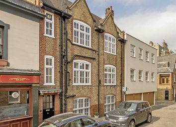 Thumbnail 2 bed flat for sale in Weymouth Mews, London