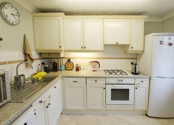 Thumbnail 2 bed flat to rent in Rosedale Road, Stoneleigh, Epsom