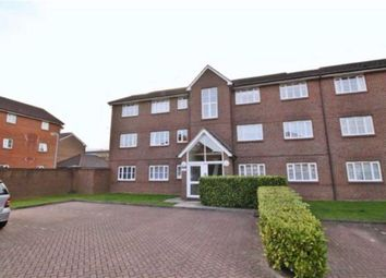 Thumbnail 2 bed flat for sale in Kensington Way, Borehamwood, Hertfordshire
